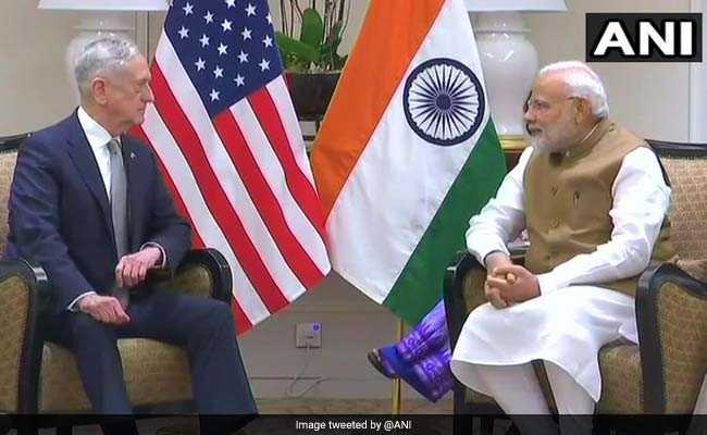 पीएम मोदी ने सिंगापुर में बंद कमरे में की अमेरिकी रक्षा मंत्री से मुलाकात