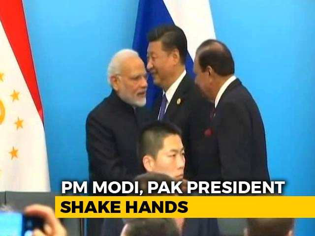 Video : Amid Strain, An India-Pakistan Handshake In China Grabs Attention