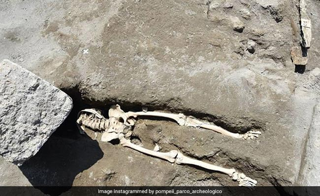 A Stone Crushed A Man Fleeing A Volcano. Archaeologists Just Found His 2,000-Year-Old Remains.