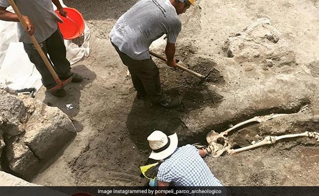 pompeii volcano archaeology discovery 650