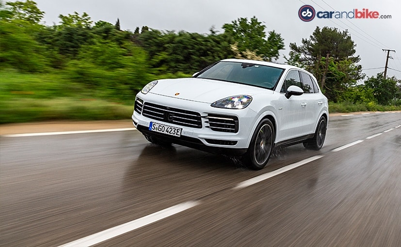 The 2021 Porsche Cayenne E-Hybrid benefits from the technology introduced on the Taycan