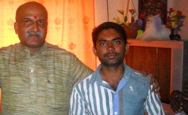 pramod muthalik with parshuram wagmare