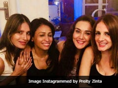 Preity Zinta Hangs Out With 'Girl Crew' Including Sussanne Khan, Shares Pic