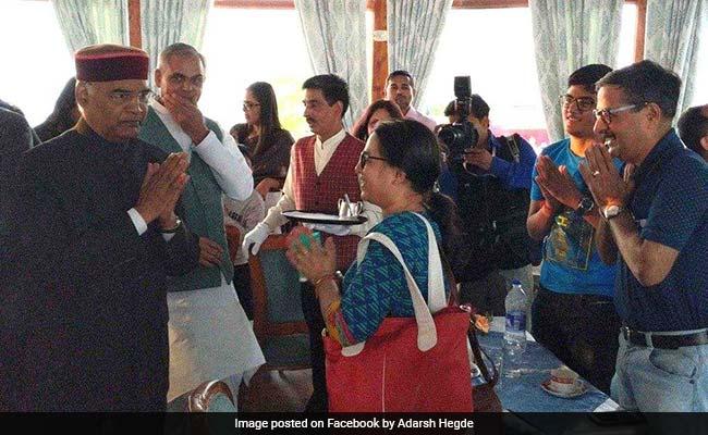 राष्ट्रपति राम नाथ कोविंद पत्नी के साथ अचानक पहुंचे रेस्त्रां, देखकर हैरान रह गए लोग