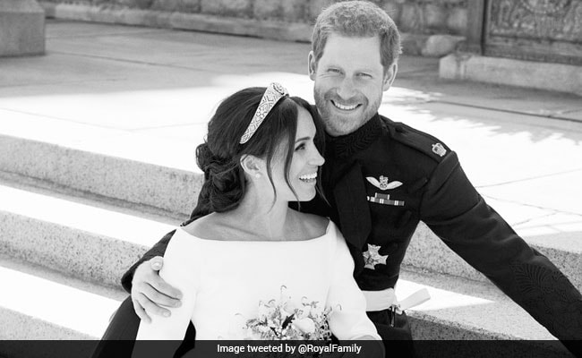 prince harry meghan markle official photo twitter