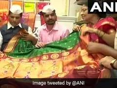 WOW! मुंबई के डिब्बा वालों ने प्रिंस हैरी के लिए पगड़ी, मेगन मर्केल के लिए खरीदी साड़ी