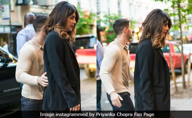 Priyanka Chopra And Nick Jonas Are A Gold Mine For Paparazzi. Another Pic