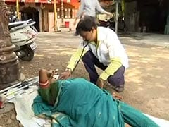 "Pune's ""Doctor For Beggars"" Treats His Patients On Streets, 6 Days A Week"