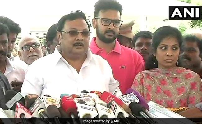अलागिरी का दावा, पिता और DMK के 'सच्चे वफादार' मेरे साथ