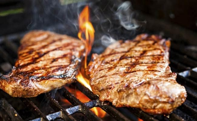Love To Eat Food Cooked On Barbecue? Beware! It May Damage Your Lungs!