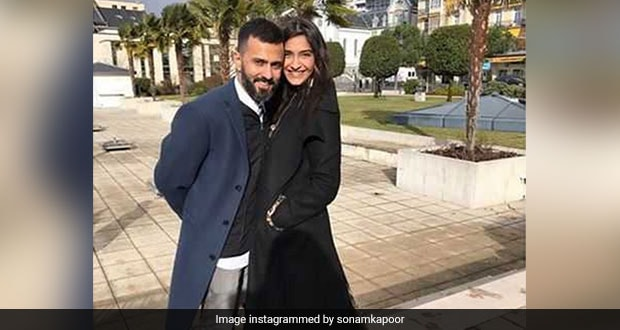 Sonam Kapoor Ahuja Got A Basketball-Themed Cake For Husband Anand Ahuja's Birthday! (See Pic)