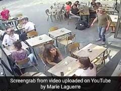 बीच सड़क लड़की के साथ लड़के ने की ऐसी हरकत, CCTV में कैद हुआ सबकुछ