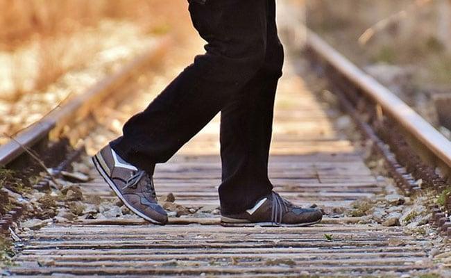 राजस्थान: बेरोजगारी से परेशान 4 दोस्तों ने ट्रेन के आगे कूदकर की खुदकुशी