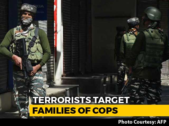 Video : Terrorists Free 3 Relatives Of J&K Cops After Their Family Members Freed