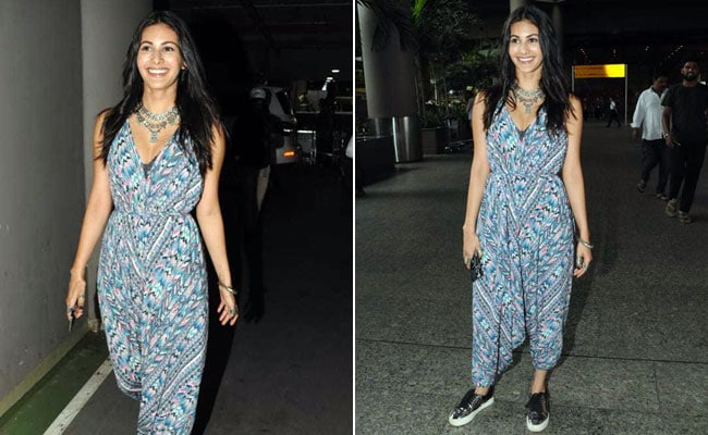 We Can Really Get Behind Amyra Dastur's Comfy Airport Look