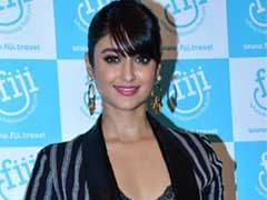 How To Break Monotony With Stripes, Featuring Ileana D'Cruz
