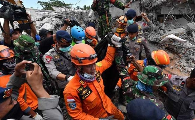 Number Of Dead From Indonesia Quake Rises To 380