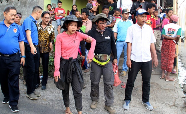 Hikers Tell Of Terror After Indonesia Earthquake
