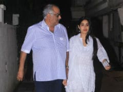 Kapoors Get Together: Janhvi, Khushi And Boney Kapoor Spend Quality Time With Arjun