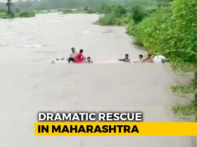 Video : Watch: Miraculous Rescue Of Family Trapped In Submerged Car Near Mumbai
