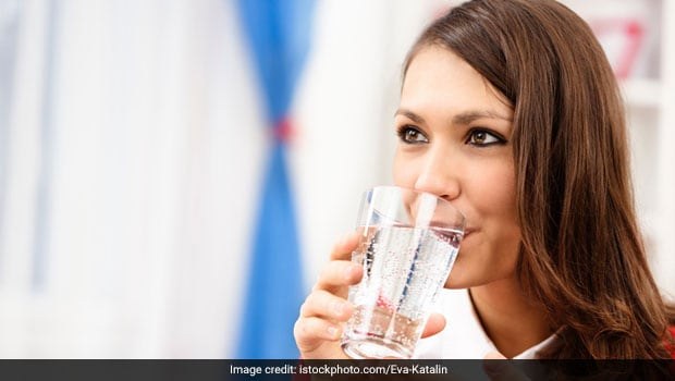 Should You Be Drinking Water During A Meal?Here's The Answer