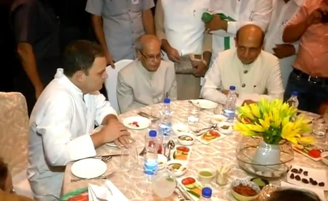 At Rahul Gandhi's Iftar, Pranab Mukherjee Has Place Of Honour