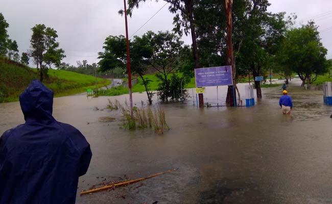 मिजोरम में आंधी-तूफान और बारिश का कहर, 150 परिवारों को सुरक्षित निकाला गया