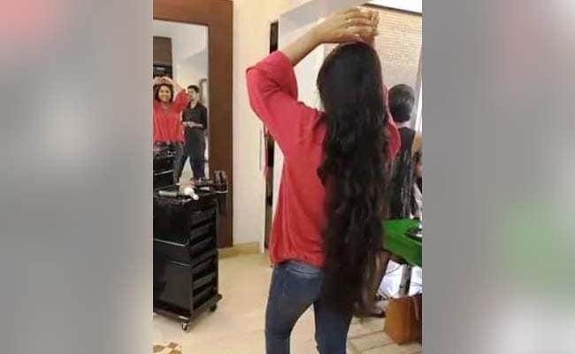 Viral Video: इस सिंगर ने कटवा डाले अपने घने-लंबे बाल, गुस्साए फैन्स बोले- दिल तोड़ दिया...