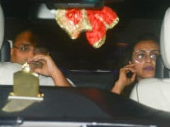 Rani Mukerji Snapped With Husband Aditya Chopra In Rare Pic. Miracles Do Happen