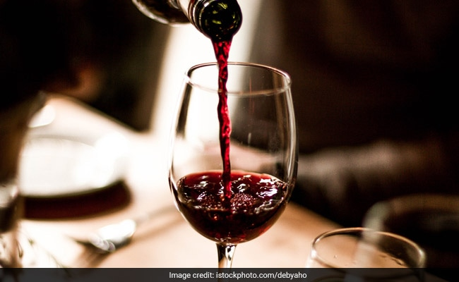 3 Quick Hacks To Remove Red Wine Stains