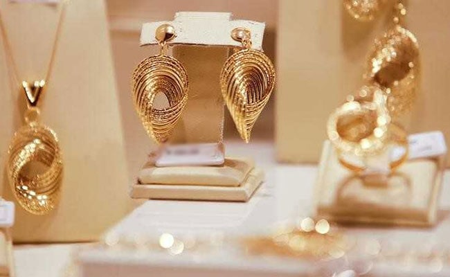 Gold Prices Edge Lower: 5 Things To Know