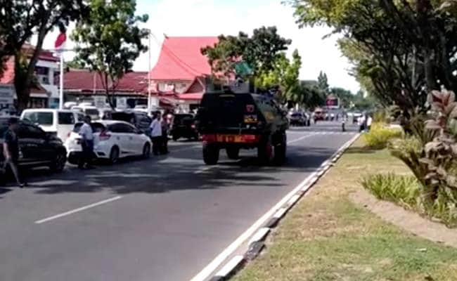 Indonesia Police Shoot Dead Four Men After Attack On Riau HQ