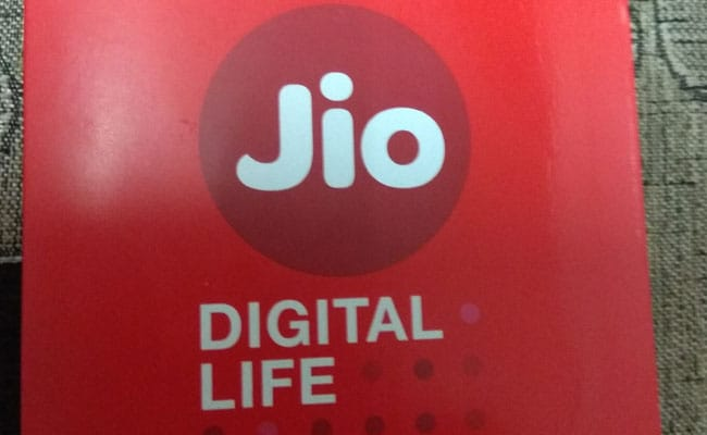 Reliance Jio Offers 2,400 Rupees Cashback On Purchase Of This Phone