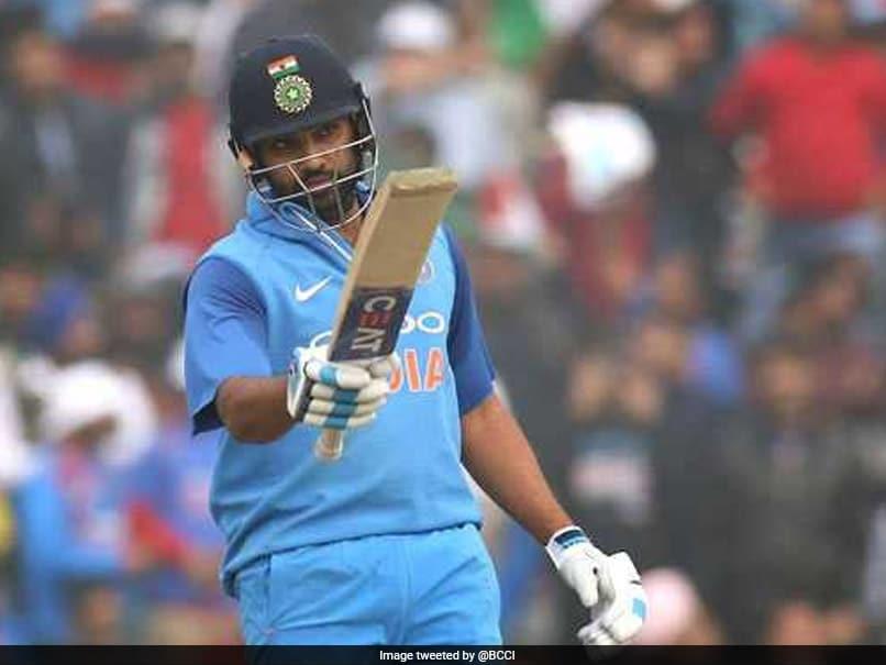 वनडे मैचों में तीन दोहरे शतक जमा चुके रोहित शर्मा ने टी20 में किया यह बड़ा कारनामा....