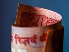 Rupee Reverses Day's Losses To Close Above 70 Per Dollar: 10 Points