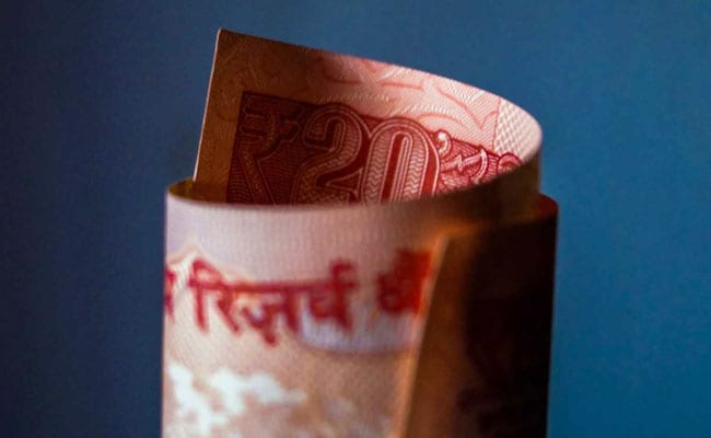 Rupee Registers New All-Time Closing Low Of 71.75 Against Dollar