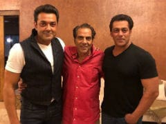 Salman Khan Adds <i>Race 3</i> Viral Dialogue Zinger To This Pic With Dharmendra And Bobby Deol