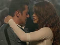 Salman Khan And Jacqueline Fernandez Take <I>Race 3</i> Party To IPL Finale