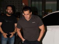 Salman Khan Celebrates Eid With Katrina, Jacqueline, Sonakshi. See Pics