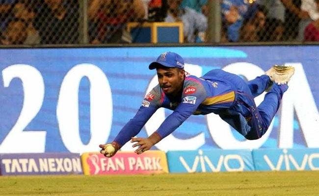 IPL 2018: संजू सैमसन ने लपका बेहतरीन कैच, तारीफ में फैंस बोले 'सुपरमैन सैमसन', देखें VIDEO