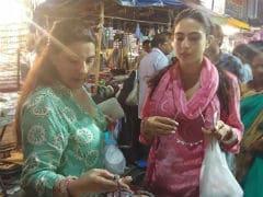 Sara Ali Khan, Filming <i>Simmba</i> In Hyderabad, Goes Shopping With Mom Amrita Singh