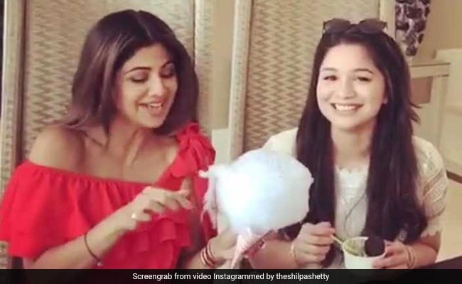 Viral Video: Sachin Tendulkar Daughter Sara Enjoying Sunday Binge With Shilpa Shetty