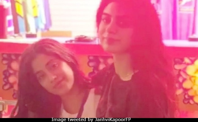 In New York, Janhvi Kapoor Lunches With Navya Naveli Nanda, Chills With Sister Khushi