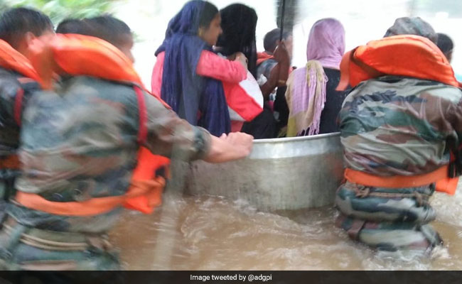 Kerala Flood 94 Dead In Kerala Rain To Continue For 2 Days 10 Facts
