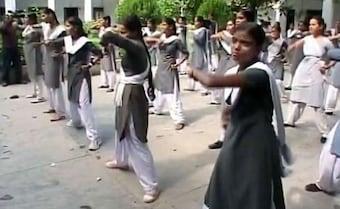 ''அரசுப் பள்ளிகளில் மாணவிகளுக்கு 6 முதல் 8-ம் வகுப்பு வரை கராத்தே, குங்ஃபூ பயிற்சி''