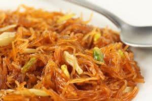 Eid Mubarak 2019: घर पर होने वाली है ईद की पार्टी तो तैयार करें ये लज़ीज पकवान