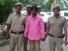 दिल्ली में पत्नी को जीबी रोड पर बेच रहा था शख्स, ऐसे चढ़ा पुलिस के हत्थे