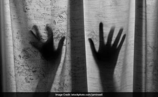 कोरोनावायरस लॉकडाउन के बीच बढ़ी महिलाओं के साथ घरेलू हिंसा की वारदातें, रोज आ रही कई शिकायतें