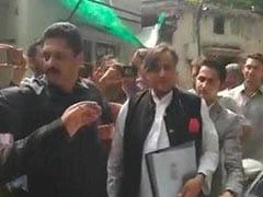 सुनंदा पुष्कर मौत मामला : कांग्रेस नेता शशि थरूर कोर्ट में हुए पेश, मिली जमानत