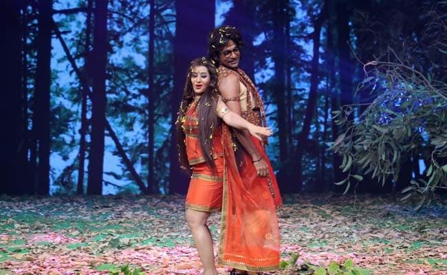 सुनील ग्रोवर ने शिल्पा शिंदे के साथ किया ऐसा 'नागिन' डांस, देखकर रोक न पाएंगे हंसी!